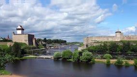 Meningsvesting van de vesting van Narva en Ivangorod- stock videobeelden