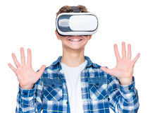 Menino adolescente em vidros de VR Imagem de Stock Royalty Free