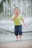 Menino asiático feliz imagem de stock
