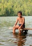 Menino asiático feliz no estágio Fotos de Stock
