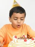 Menino asiático que comemora Imagens de Stock