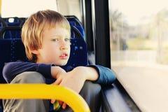 Menino autístico bonito Fotos de Stock