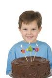 Menino com bolo de aniversário Fotos de Stock Royalty Free