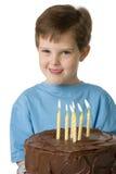 Menino com bolo de aniversário Imagem de Stock
