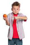 Menino com esfera do basquetebol Foto de Stock Royalty Free