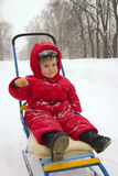 Menino com sledge Imagem de Stock Royalty Free