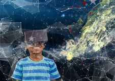 menino com vidros de VR no espaço fotografia de stock