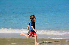 Menino da praia fotos de stock royalty free