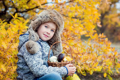 Menino de Autumn Portrait Toddler foto de stock