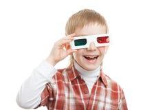 Menino de sorriso nos vidros 3d Foto de Stock Royalty Free