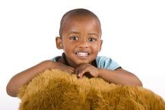 Menino do americano preto ou africano dos anos de idade 3 adoráveis Fotografia de Stock Royalty Free
