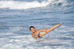 Menino do surfista imagem de stock royalty free