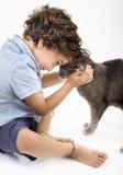 Menino e gato Fotos de Stock Royalty Free