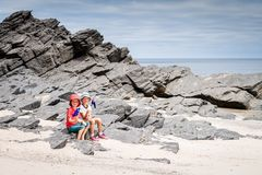 Menino e menina com a bandeira de Austrália Fotografia de Stock Royalty Free