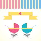 Menino e menina do carrinho de criança de bebê Foto de Stock Royalty Free