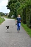 Menino e seu cão Fotos de Stock