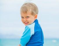 Menino em férias da praia Imagens de Stock Royalty Free