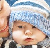 Menino engraçado do louro da criança do bebê de Portret Imagem de Stock