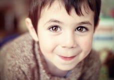 Menino feliz e bonito Imagens de Stock Royalty Free