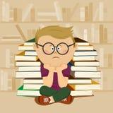 Menino infeliz do lerdo que senta-se na frente da pilha de livros e de estante na biblioteca escolar ilustração do vetor