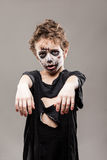 Menino inoperante de passeio gritando da criança do zombi Fotografia de Stock Royalty Free
