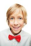 Menino louro com cintas do dente Foto de Stock