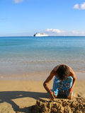 Menino na praia Fotografia de Stock Royalty Free