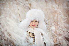 Menino no inverno Imagens de Stock Royalty Free