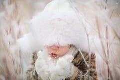 Menino no inverno Imagem de Stock