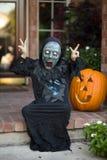 Menino no traje assustador do Dia das Bruxas Imagem de Stock