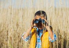 Menino novo do safari Fotografia de Stock