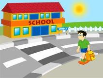 Menino que anda à escola Foto de Stock Royalty Free