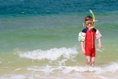 Menino que snorkeling Fotografia de Stock Royalty Free