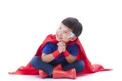 Menino a ser um super-herói Imagem de Stock Royalty Free