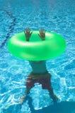Menino sob a água Fotos de Stock Royalty Free