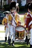 Menino vestido como um baterista britânico Imagens de Stock Royalty Free