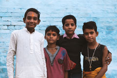 Meninos novos na vila indiana Fotos de Stock Royalty Free