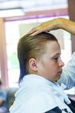 Meninos novos no cabeleireiro Fotos de Stock Royalty Free