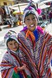 Meninos peruanos em Pisac no Peru Imagem de Stock Royalty Free