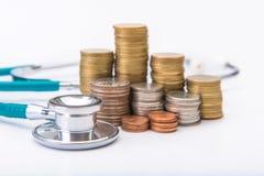 menniczej sterty narastający biznes z medycznych instrumentów stetoskopem Fotografia Stock