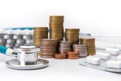menniczej sterty narastający biznes z medycznych instrumentów stetoskopem Zdjęcie Stock