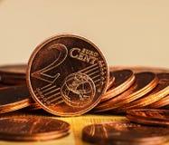 Menniczy warty dwa centu jest na monetach banka euro pięć ostrości sto pieniądze nutowa arkana Zdjęcie Royalty Free