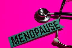 Menopause auf dem Papier mit Medicare-Konzept stockbilder