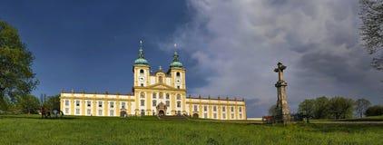 Menor de la basílica en la colina santa cerca de la ciudad Olomouc foto de archivo libre de regalías
