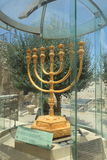 Menorah d'or à Jérusalem, Israël Photos stock
