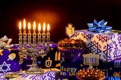 Menorah judío del vintage del tallit de la celebración de Jánuca del día de fiesta Imagen de archivo libre de regalías