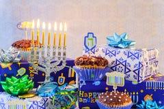Menorah judío del vintage del tallit de la celebración de Jánuca del día de fiesta Fotografía de archivo libre de regalías