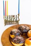 Menorah judaico tradicional com velas fotos de stock royalty free