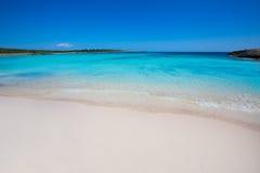 Menorca儿子在拜雷阿尔斯Ciutadella的绿松石的Saura海滩 库存照片