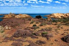 Menorca - costa rochosa imagens de stock